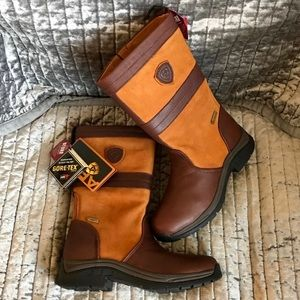 Mismatched Sizes Ariat Bryn GTX County Boots